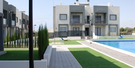 Appartement 3 Zimmer, 2 Bäder, Pool, eigener Garten – oder Dachterasse