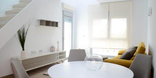 Appartement 3 Zimmer, 2 Bäder, Pool, Klimaanlage, 300 Meter vom Meer entfernt