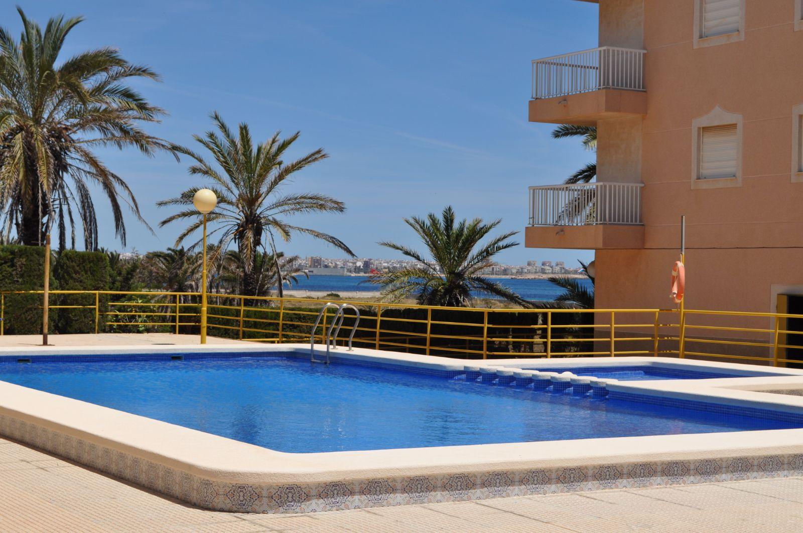 2 Zimmer Apartment mit Meeressicht in Punta Prima