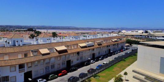 3 Zimmer Wohnung mit Blick auf den rosa See, nahe Sandstrand